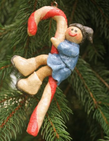 Learn how to make, color and use salt dough for awesome Christmas ornaments...  READ MORE