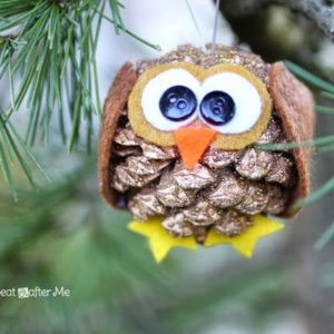 Pinecone Owl Christmas ornament