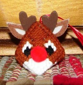rudolph kiss n critter plastic canvas christmas ornament - Plastic Canvas Christmas Ornaments